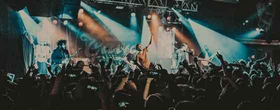 Dance Gavin Dance playing Mothership in full on tour